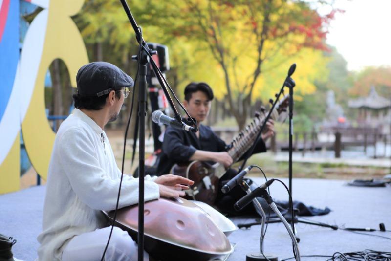 2020사랑-나미나라인도문화축제_시타르,핸드팬공연.jpg